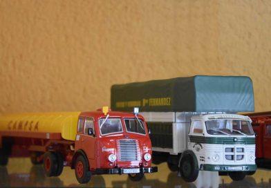 Exposición de coches clásicos en miniatura